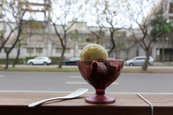 天母美食 冰淇淋On the Road 不吃後悔一輩子的低脂低甜度手工冰淇淋  近天母棒球場 高島屋