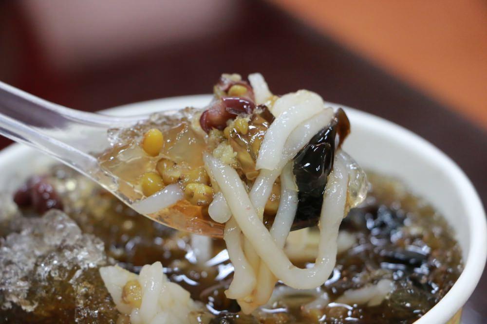 桃園冰品推薦 桃園忠孝甜品專賣(改名:星大王甜品) 手工製作米苔目配剉冰 消暑一下吃剉冰 力行市場