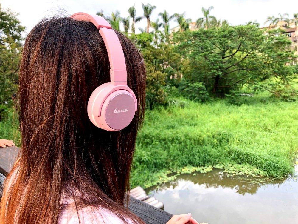 3C開箱  ALTEAM我聽 RFB-936 藍牙耳機 少女心噴發之萌系粉色時尚旅遊藍牙耳機